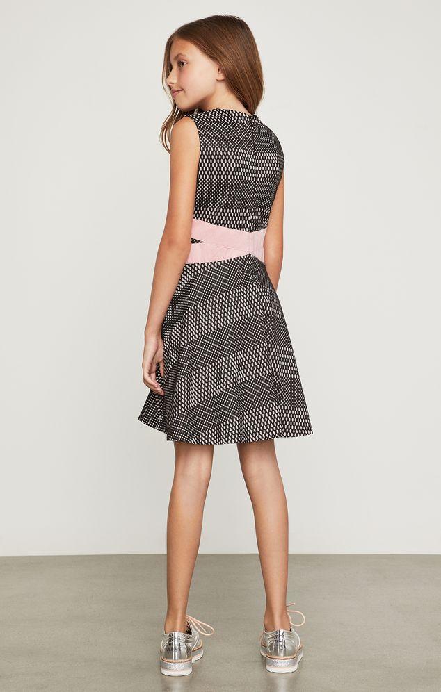 Vestido-BCBGirls-negro-con-lazo-rosa-B838DR186_BLK_a