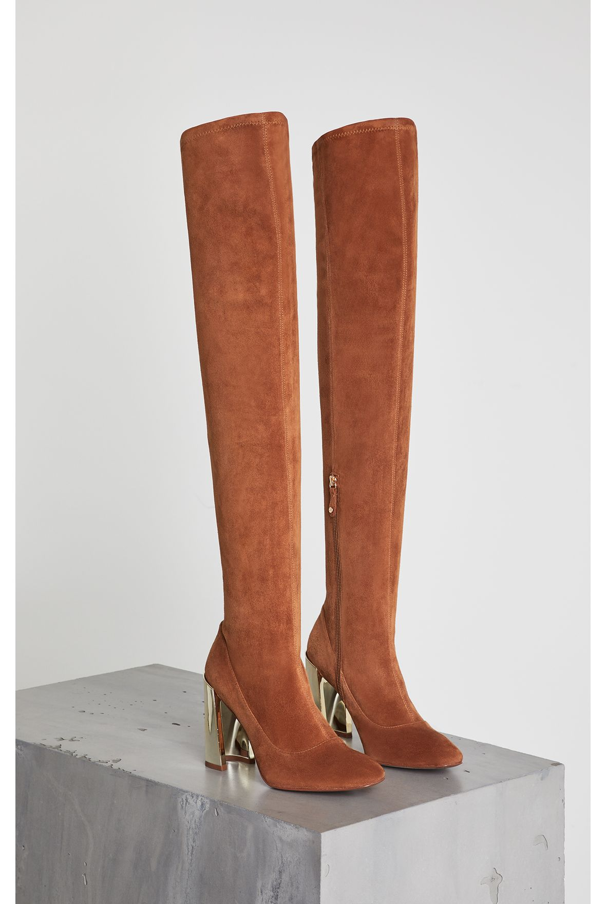 bea-stretch-suede-boot-AZ068_288