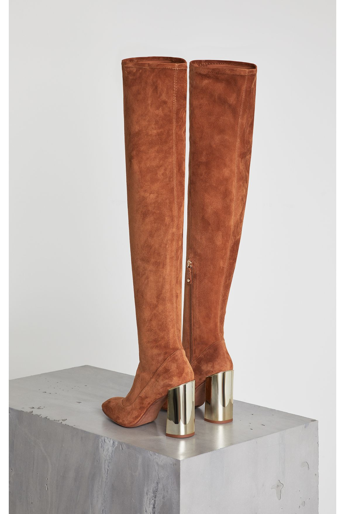 bea-stretch-suede-boot-AZ068_288_a