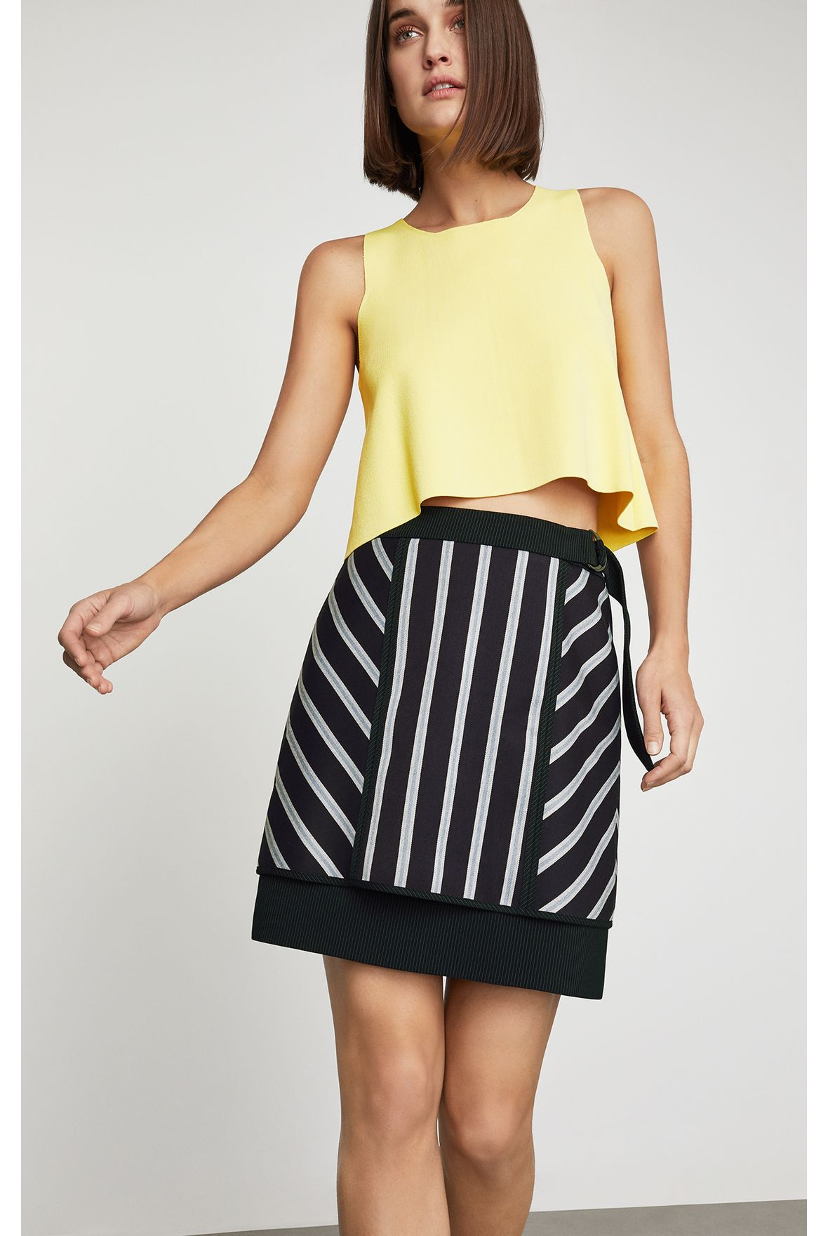 3d4bb7971 Minifalda a rayas - bcbgmx