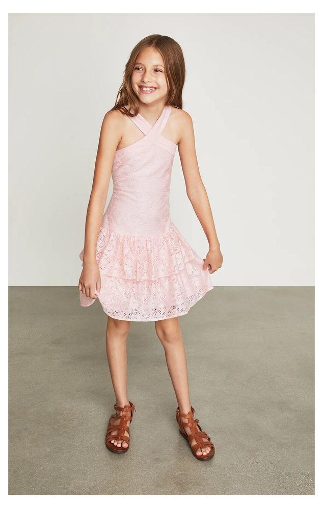 Vestido-halter-BCBGirls-rosa-claro-con-encaje-B838DR205_RPL